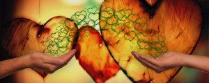 Hýčkejte své partnerství aromaterapií a květovými vodami
